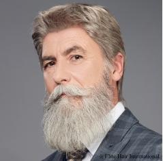 Portrait homme portant la perruque Vincent *****, en cheveux de synthèse, Elite Hair International