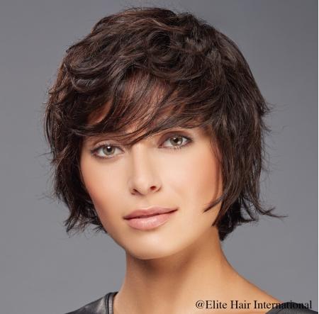 Portrait Femme absolut Brune, cheveux synthétiques, Elite Hair International