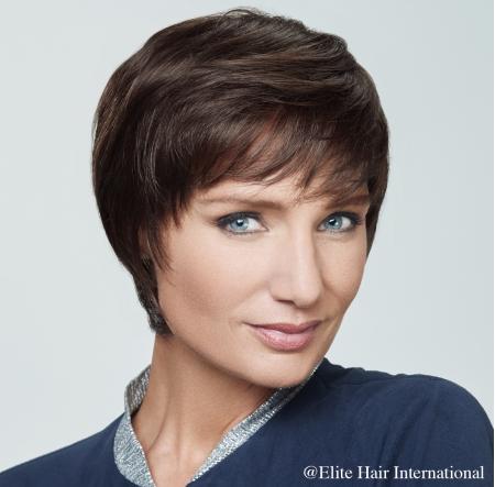 Portrait femme perruque emotion en brune, cheveux de synthèse, Elite Hair International
