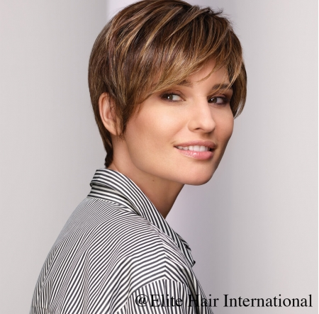 Portrait Femme Regard châtain, en cheveux de synthèse, Elite Hair International