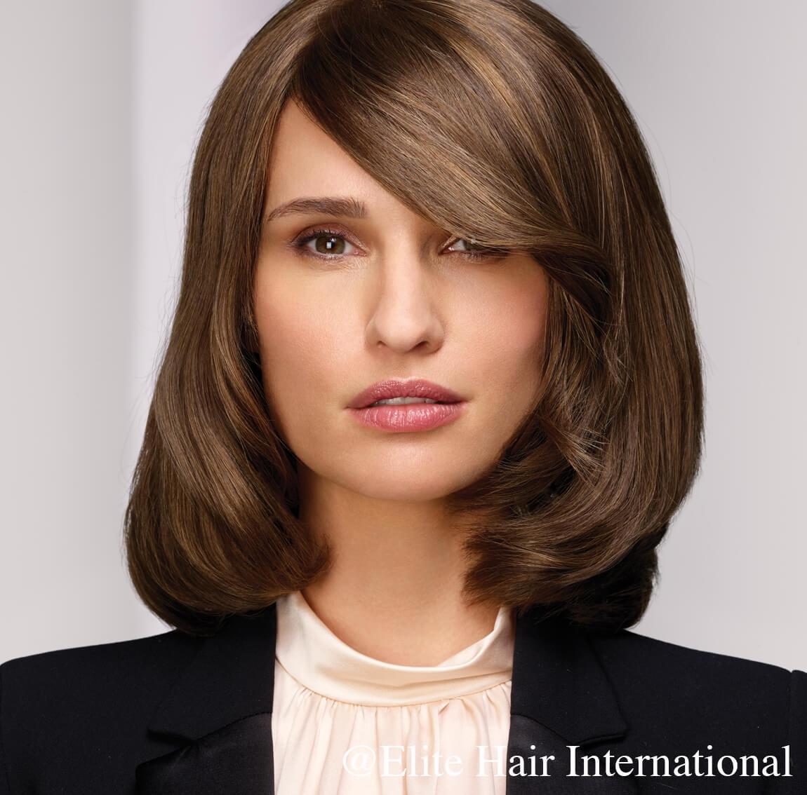 Portait femme portant la perruque naturelle Exception d'Elite Hair International